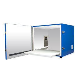 Isolation Chamber (520 x 430 x 410mm)